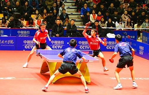 今天,乒乓球世界冠军樊振东现身梓潼拿下两个3比0