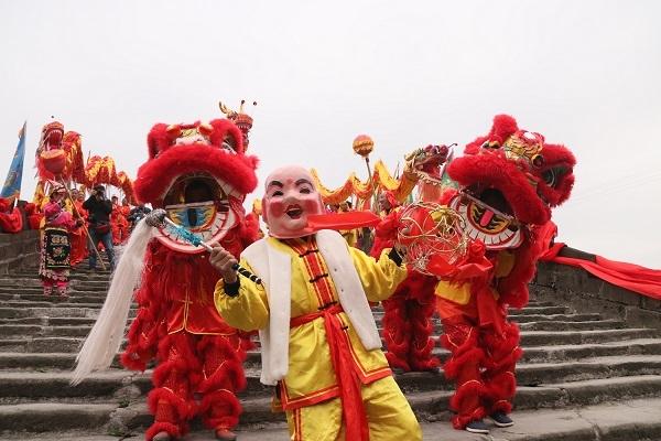 人山人海!安州区民众祭桥迎春